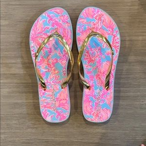 Lilly Pulitzer size 7 flip flops